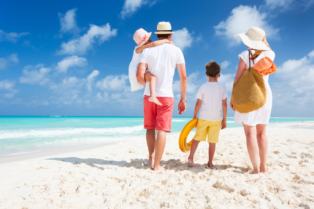 Essential Items for a Family Beach Holiday